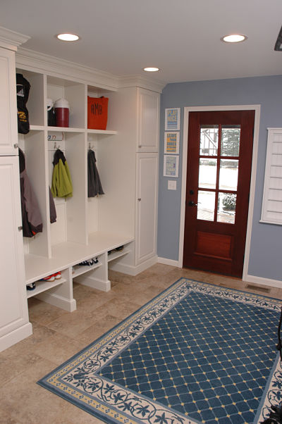 mudroom with built-in cubbies