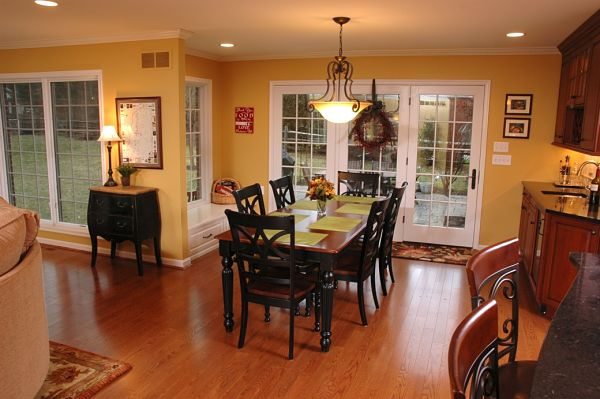 home addition dining area and wet bar