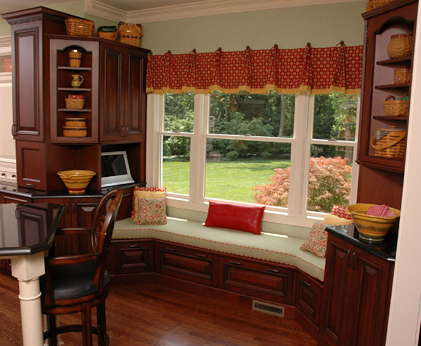 kitchen window seat with storaged rawers