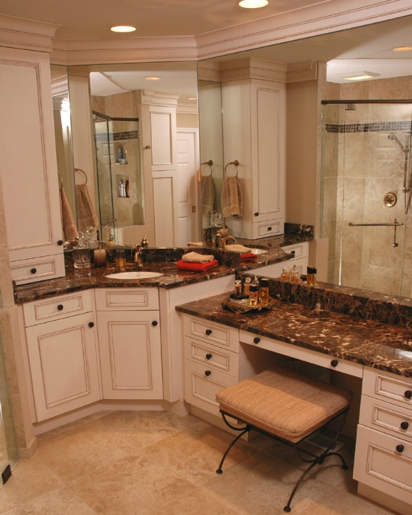 Elegant Sink and Vanity