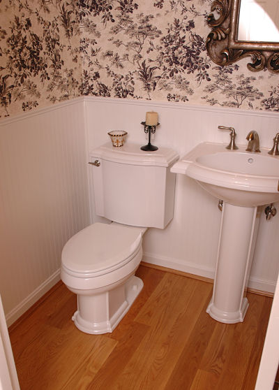 Two Piece Toilet and Matching Pedestal Sink