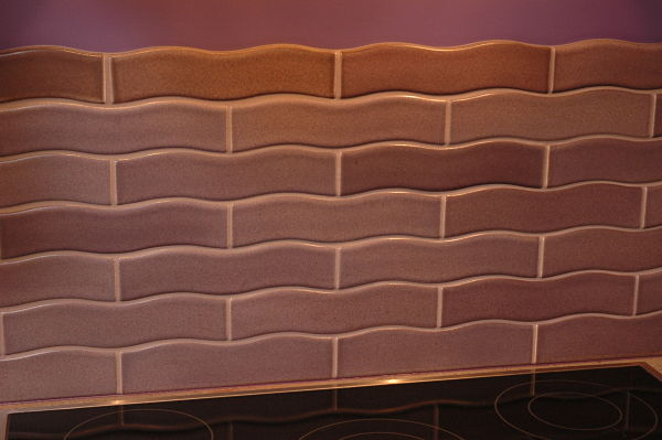 Scalloped Rectangular Kitchen Tile in Subway Pattern