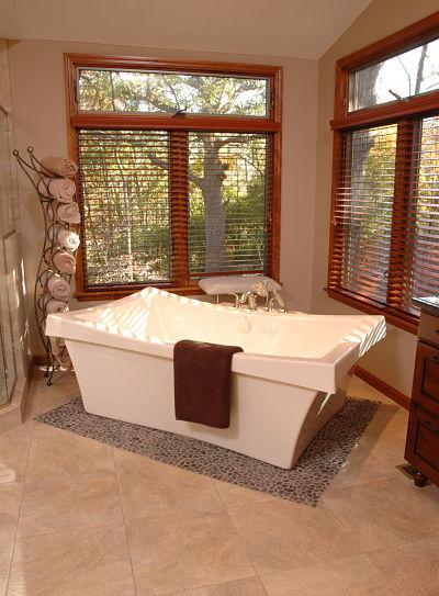 Sculptural Freestanding Bathtub