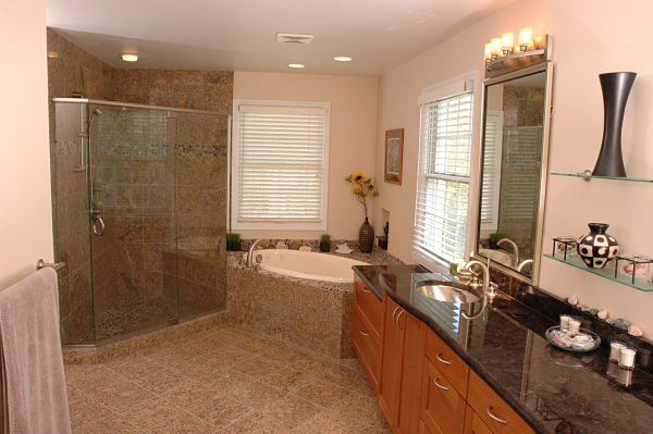 Drop-in Oval Bathtub in Corner Deck