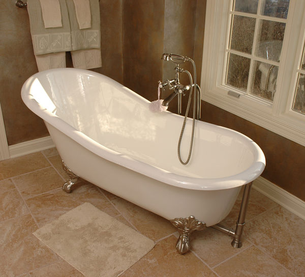 Freestanding Bathtub with Handheld Shower Attachment