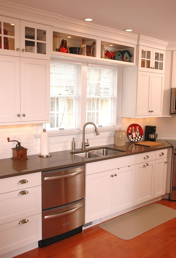 Our picks for the best kitchen design ideas for 2013 for Small upper kitchen cabinets