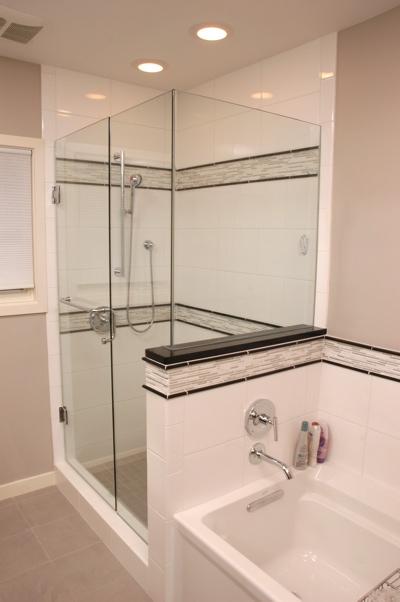 Neutral colored bath