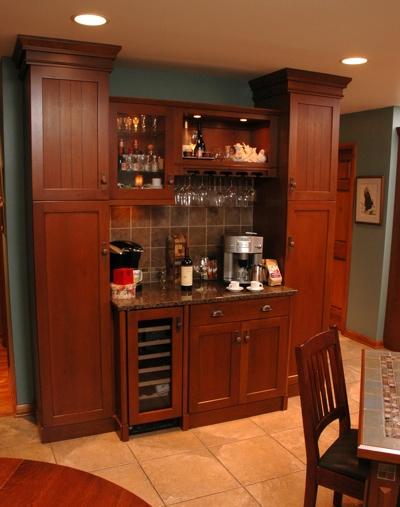 Kitchen beverage bar