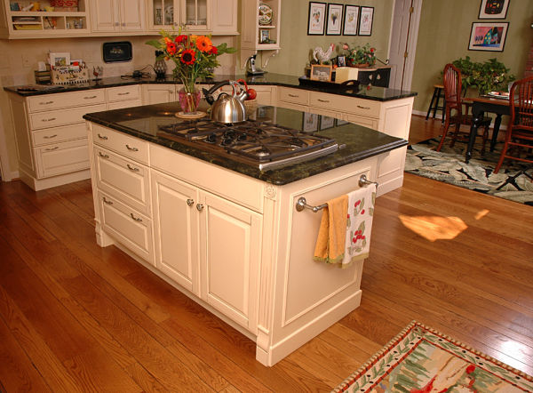 Kitchen Island with Wide Aisles