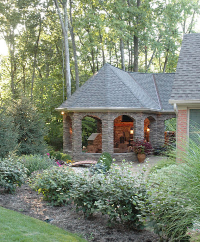 outdoor living space with garden