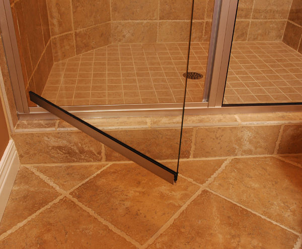 5 bathroom tile design ideas for Slip resistant bathroom flooring