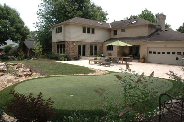 patio and putting green