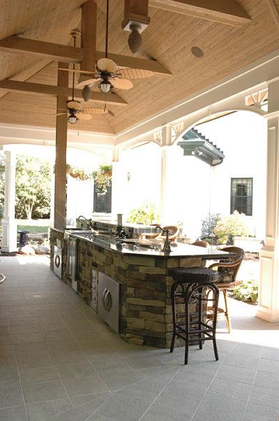 veranda with ceramic tile flooring