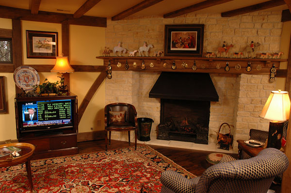 fireplace with mantle for collectibles