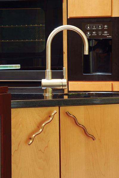 contemporary kitchen cabinet pulls
