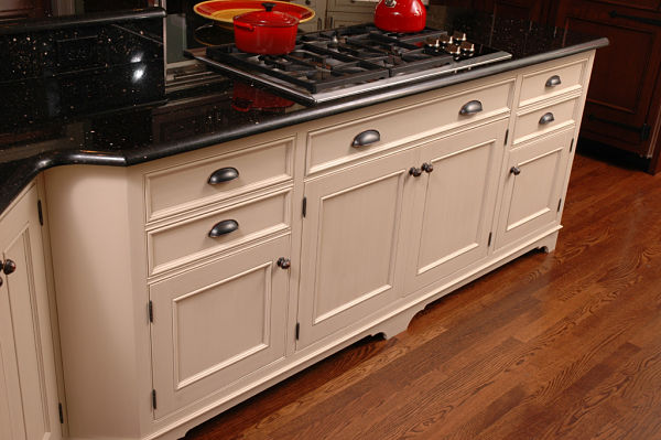 Kitchen cabinets with surface mount hinges