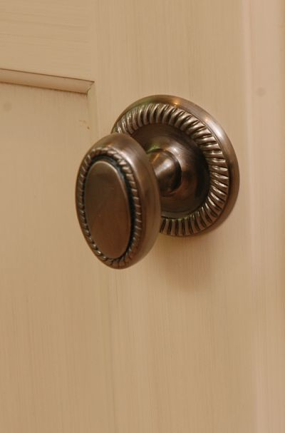 oval cabinet knob with back plate