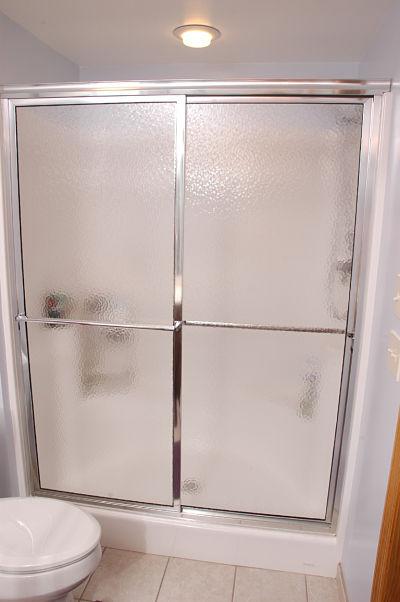 4 design options for walk in showers - Walk in shower glass doors ...