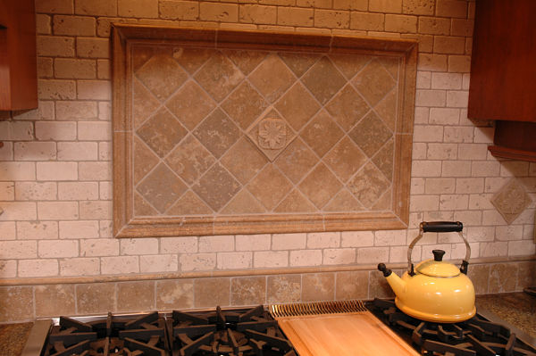 diamond subway and grid pattern kitchen tile