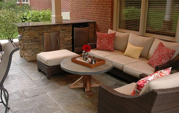 outdoor living room with appliances