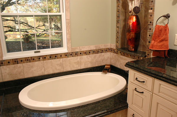 master bath with soaking tub