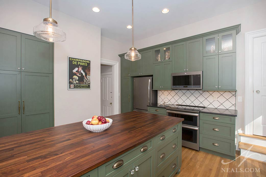 A Wyoming Kitchen Remodel with Farmhouse Influence