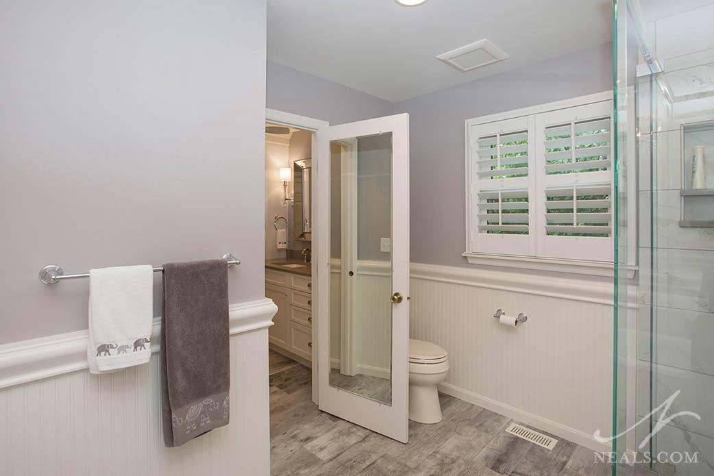chic country bathroom tile flooring