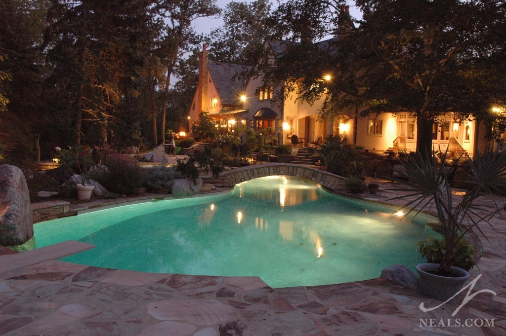 A custom pool makes integration with the surroundings more streamlined.