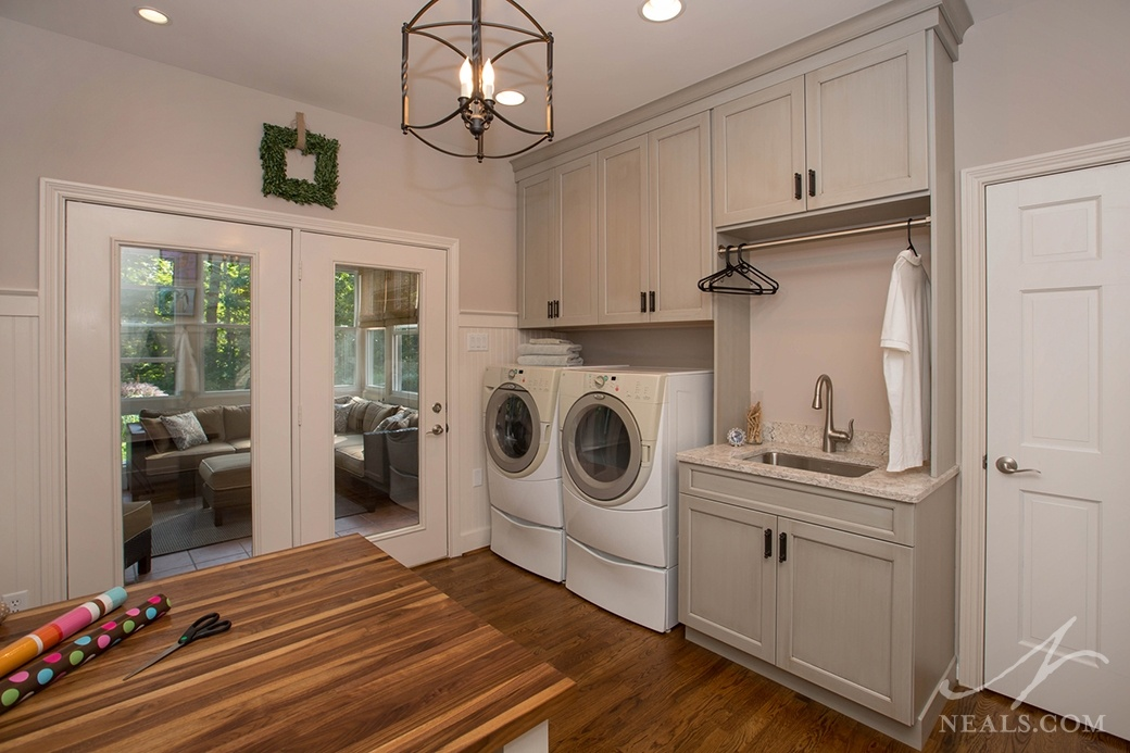 combined laundry and craft room