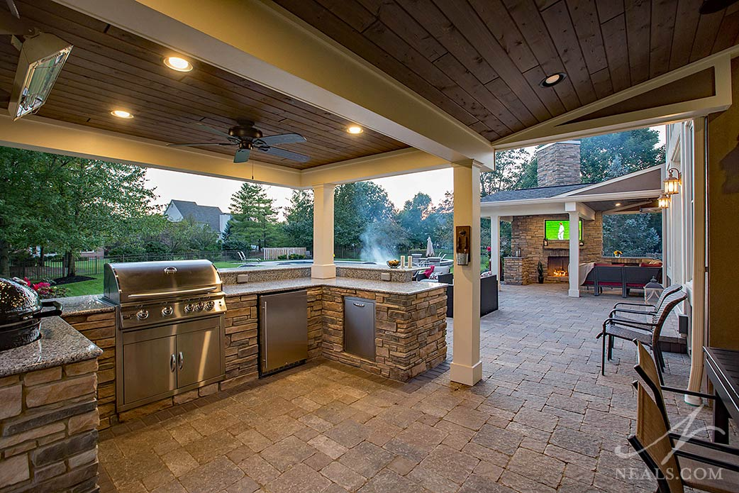 outdoor living space in Sycamore Township